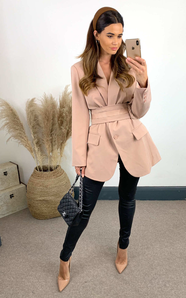 Dusky Pink Oversized Blazer With Front Pockets And Detachable Belt Bag by The ModestMe Collection