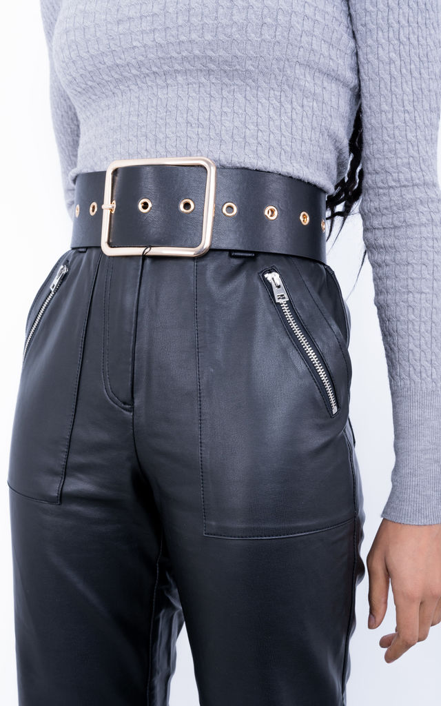 Over size belt with large buckle (Black) by Lucy Sparks