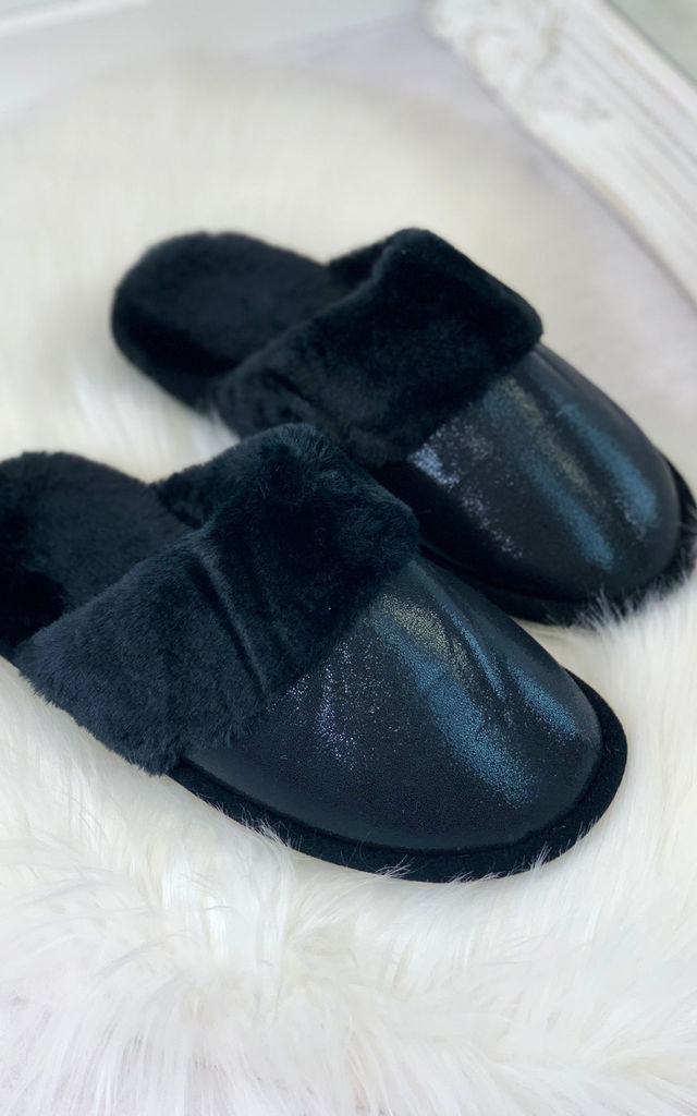 Ayla Sleepers in Black by Larena Fashion