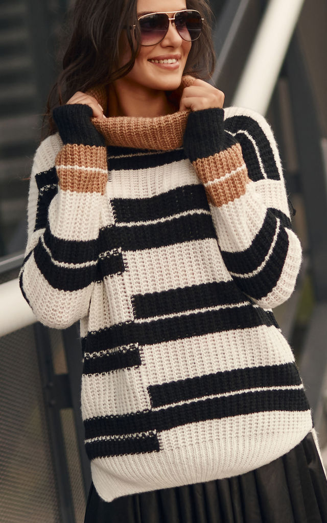 Comfy and Warm Sweater in White-Black-Camel by Makadamia