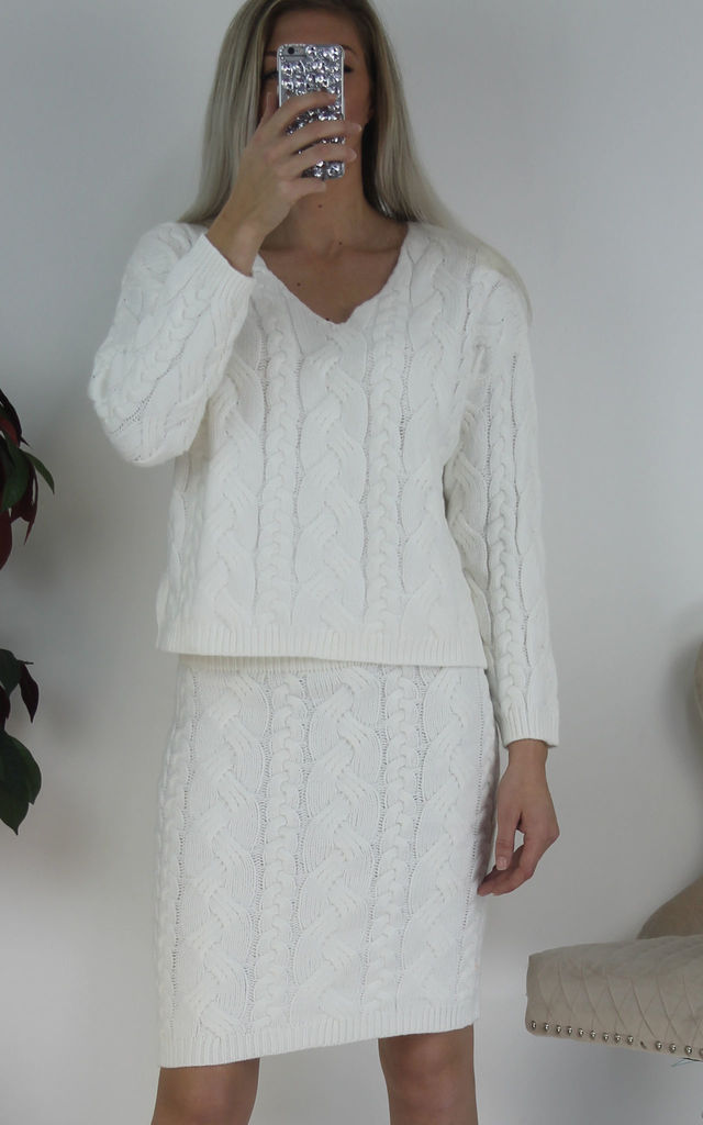 White Woven Chunky Knitted Jumper & Pencil Skirt Co-ord Set by Boutique Store