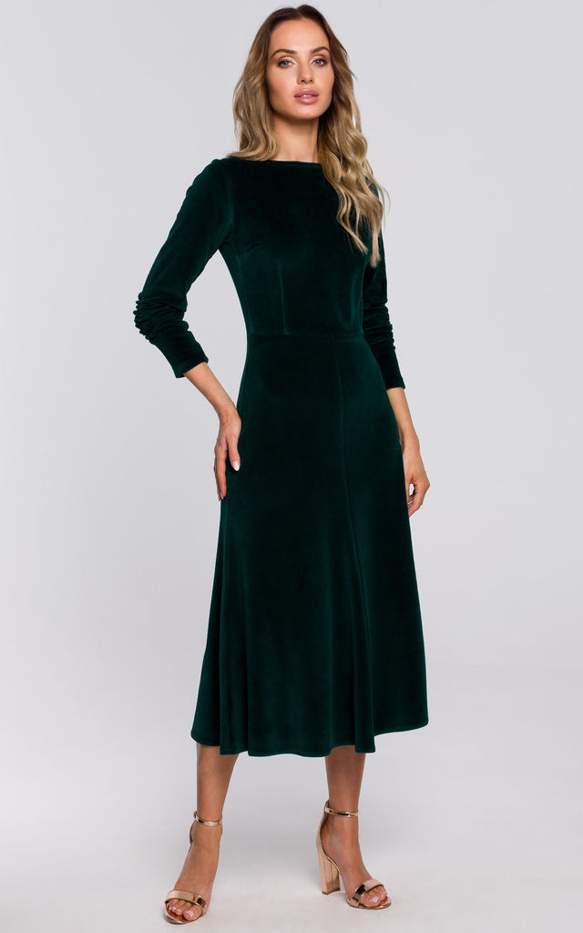 Velvet Midi Dress with Gathered Sleeves in Green by MOE