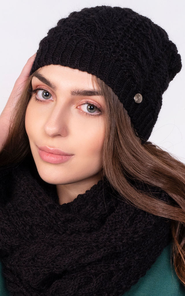 Stylish Beanie in Black by Lanti