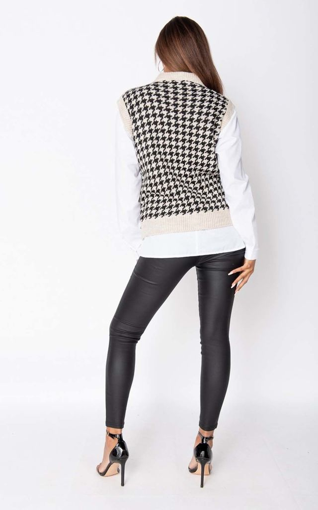 Beige Houndstooth Check Sleeveles Knitted Top by Parisian Fashion