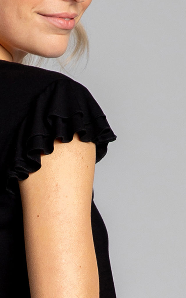 Top With Ruffled Sleeveless in Black by MOE