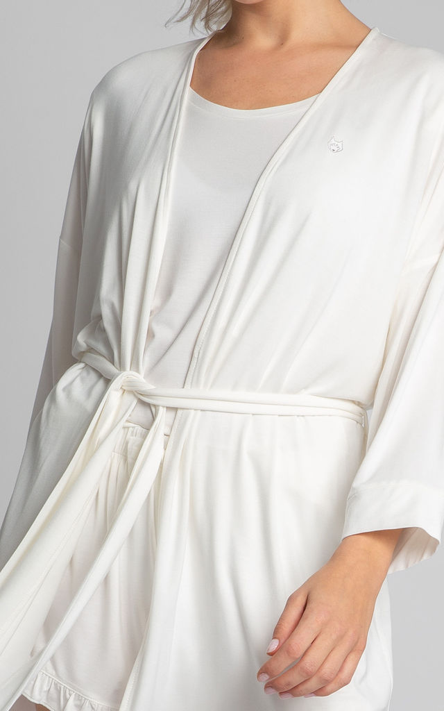 Short Dressing Gown in White by MOE
