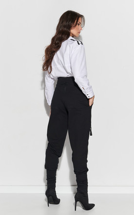 High Waist Trousers with Pockets in Black by Makadamia