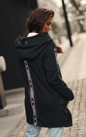 Long Asymmetric Hoodie with Zipper in Black by Makadamia