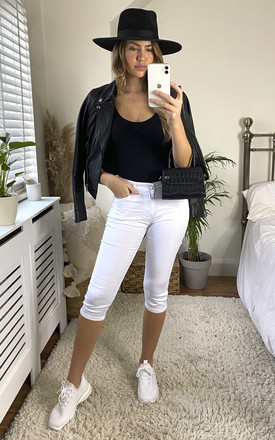 Cropped Bi-Stretch Jeans in White by KURT MULLER