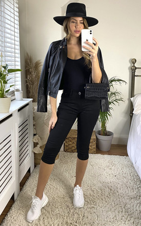 Cropped Bi-Stretch Jeans in Black by KURT MULLER