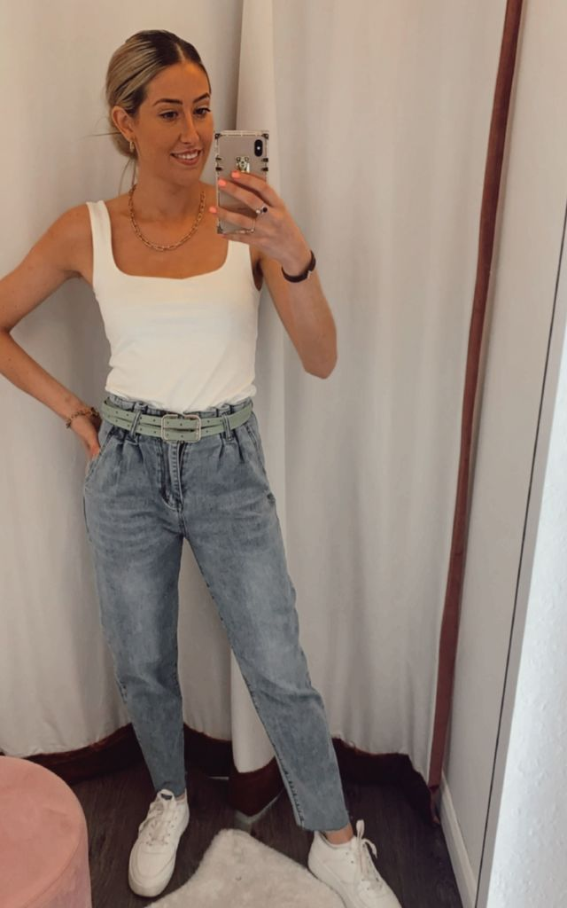 High waisted straight cut jeans by Unscripted