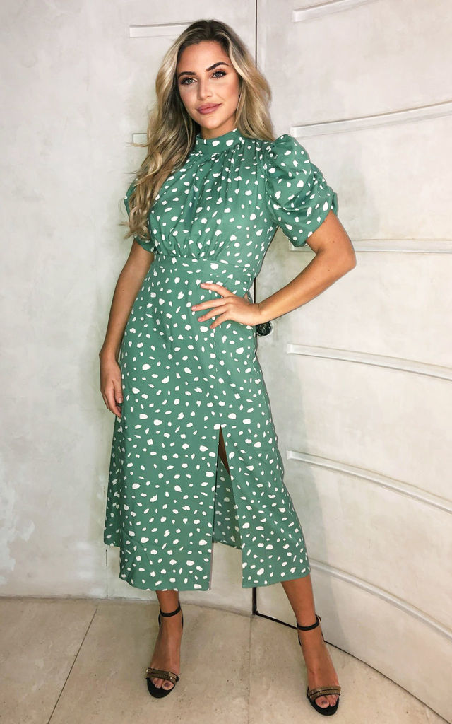 Green Printed Ruched Short Sleeve Midi Dress by AX Paris
