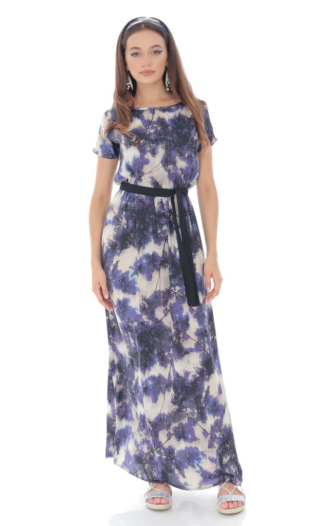 Printed satin maxi with contrasting belt. by Aimelia