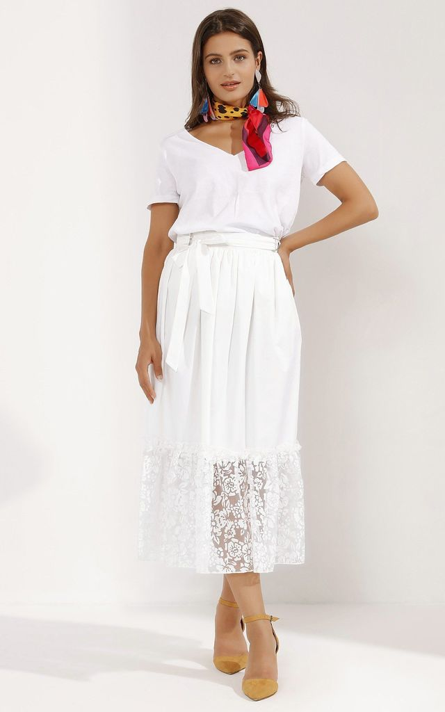 Elegant White Belted Skirt With Lace Bottom by Pineapple